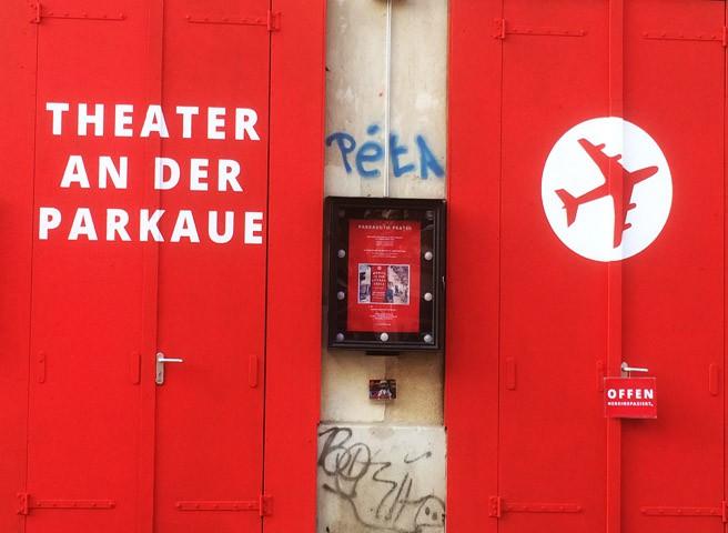 auftragsmalerei-Aussenwerbung Parkaue Theater